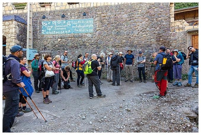 Trek group at the start